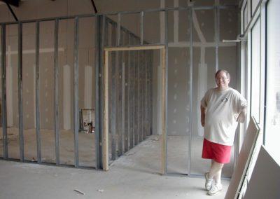 1999 - Shelter under construction