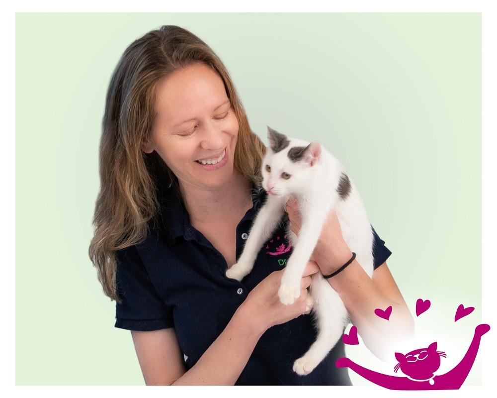 SAFE Care Clinic DVM Dr Jennifer Bledsoe-Nix